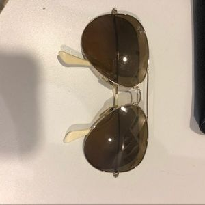 Ray ban classic white and gold aviators